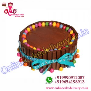 KitKat Gems Cake Home Delivery‎