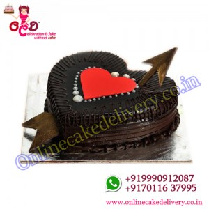 Heart Shaped Truffle Love valentine cake for boyfriend
