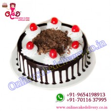 Black forest cakes IN birthday cake shop
