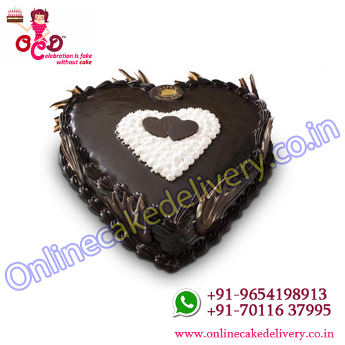 melting chocolate truffle heart cake in your online cake shop.