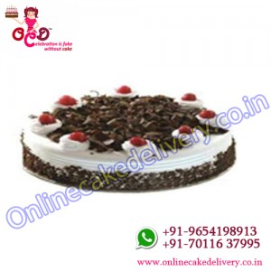 Black forest round shaped cake